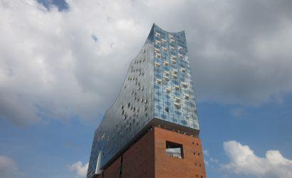 Für Ihre Gruppenreise nach Hamburg - eine Schiffahrt an der Elbphilharmonie vorbei.